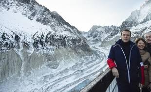 Emmanuel Macron en Rossignol lors d'un déplacement au Mont-Blanc le 13 février 2020.