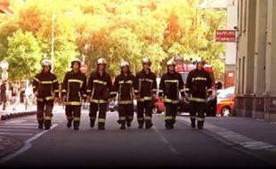 Pour annoncer leur traditionnel bal du 13 juillet, les pompiers toulousains n'ont pas lésiné.
