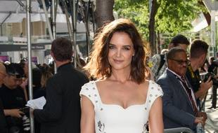 L'actrice Katie Holmes aux Fragrance Foundation Awards à New York