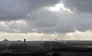 La décision de l'Unesco d'inscrire le Bassin minier du Nord-Pas-de-Calais au Patrimoine mondial de l'Humanité récompense la seule candidature française mais surtout une région ayant connu une reconversion difficile après trois siècles d'exploitation du charbon.