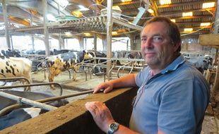 Ghislain de Viron,  éleveur laitier installé dans la Sarthe s'est engagé très tôt dans la démarche «Ferme laitière bas carbone».