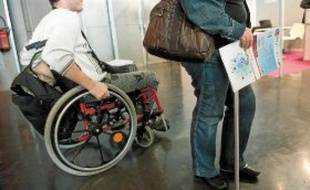 A la fin 2009, le taux d'emploi des personnes handicapées était de 2,7% dans le secteur privé. Loin  du taux de 6% fixé par la loi.