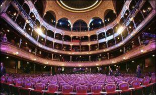La première saison du nouveau directeur général du Châtelet à Paris, Jean-Luc Choplin, dévoilée mardi, s'inscrit dans la continuité de celles de son prédécesseur, avec des spectacles lyriques et de danse ainsi que des concerts, tout en renouant avec une tradition populaire de ce théâtre.