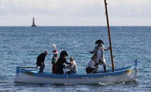 Frank Samson, sosie officiel de Napoléon depuis dix ans, s'apprête à débarquer à Golfe-Juan dans les habits de l'Empereur, lors de la reconstitution du bicentenaire, le 1er mars 2015