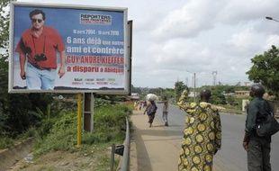 Un squelette a été découvert vendredi dans un village de l'ouest de la Côte d'Ivoire qui pourrait être celui du journaliste franco-canadien Guy-André Kieffer, disparu en avril 2004 à Abidjan, a-t-on appris de source proche du dossier.