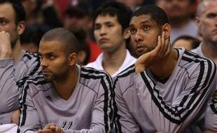 Le début de saison parfait des San Antonio Spurs de Tony Parker s'est arrêté mercredi à Los Angeles face aux Clippers, qui l'ont emporté (106-84) après une prestation terne du meneur Français.
