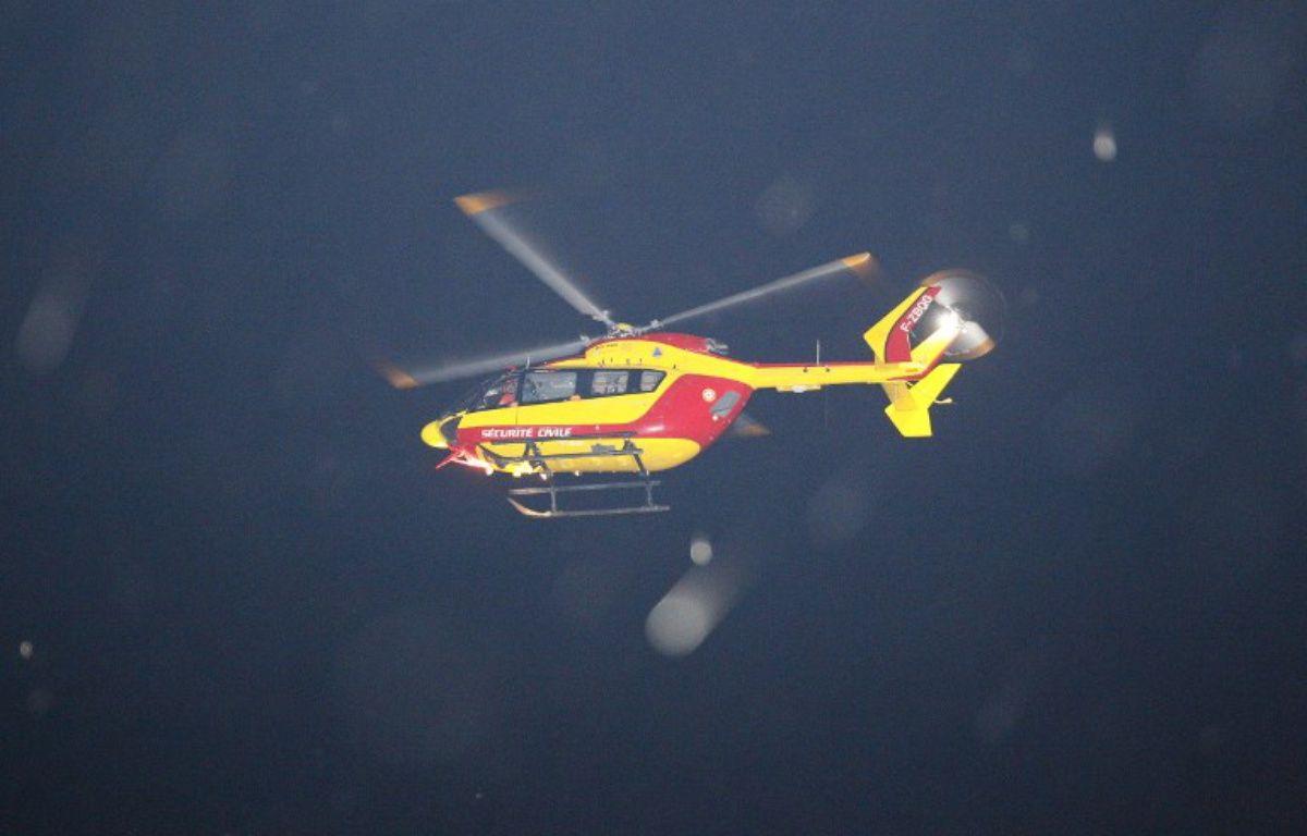 La victime a été emmenée à l'hôpital de La Rochelle en hélicoptère.  – MATTHIEU ALEXANDRE / AFP