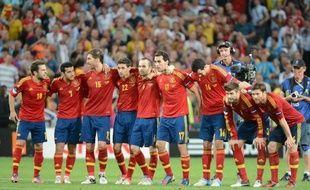 L'Espagne, qui dispute dimanche contre l'Italie la finale de l'Euro-2012, sa troisième de rang après les titres européen de 2008 et mondial de 2010, a affiché sa motivation vendredi à l'idée de réaliser un triplé Euro-Mondial-Euro inédit dans l'histoire du football.