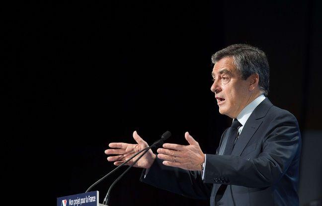 Le candidat LR François Fillon en meeting aux Docks d'Aubervilliers, le 4 mars 2017