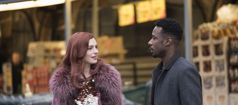 Anne Hathaway et Gary Carr dans «Modern Love» sur Amazon Prime Video