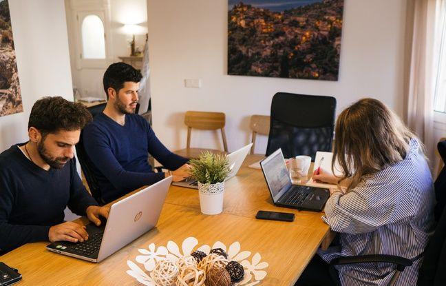 Bien installés dans la villa de Palma, les coworkers profitent d'un cadre de vie et de travail agréable.