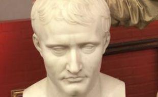 Ce buste de Napoléon Ier a été vendu 21.000 dans Affaire conclue.