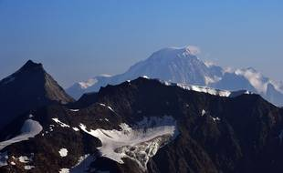 A picture taken on July 22, 2015 in Tignes, southeastern France, shows the Italian side (Northern side) of the Mont Blanc, the highest mountain in the Alps. AFP PHOTO / LOIC VENANCE