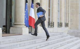 Emmanuel Macron sur le perron de l'Elysée, le 16 juillet 2016.