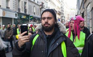 """Eric Drouet, lors d'une manifestation des """"gilets jaunes"""" le 22 décembre 2018 à Paris."""