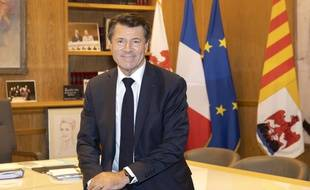 Le maire sortant (LR) de Nice, Christian Estrosi, le 23 juin 2020, dans son bureau