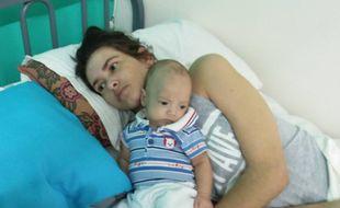 Amelia Bannan a donné naissance à son enfant alors qu'elle était dans le coma depuis deux mois. La policière argentine n'a rencontré que son fils début avril 2017.