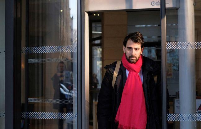 Paris, le 26 janvier 2017. Antonin Levy, l'avocat de François Fillon, arrive au parquet national financier pour remettre des documents prouvant, selon lui, la réalité du travail d'assistante parlementaire de Penelope Fillon.