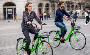 """Les vélos en """"free-floating"""", comme ceux de Gobee.bike, peuvent être  déposés n'importe où sans borne."""