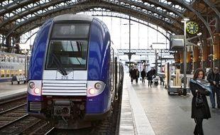 Illustration d'un TER à la  gare de Lille Flandres.