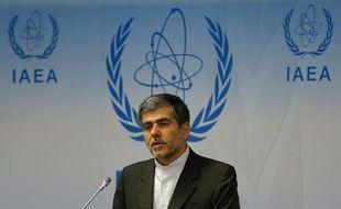 L'Iran possède environ 18.000 centrifugeuses dont plus de 10.000 en activité, a déclaré samedi Fereydoun Abbassi Davani, le chef sortant de l'Organisation iranienne de l'énergie atomique (OIEA), confirmant des chiffres donnés en mai par l'agence internationale de l'énergie atomique (AIEA).