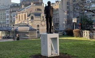 La statue de René Goscinny inaugurée le 23 janvier à Paris