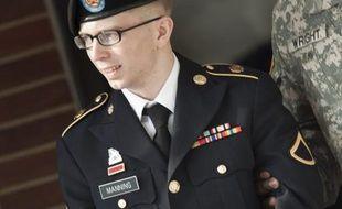 Le procès très attendu du soldat américain Bradley Manning, accusé devant une cour martiale de l'une des fuites les plus importantes de l'histoire des Etats-Unis, s'est ouvert lundi matin sur la base militaire de Fort Meade, près de Washington.