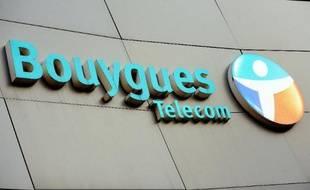 Logo de Bouygues Telecom à Dunkerque, le 19 décembre 2013