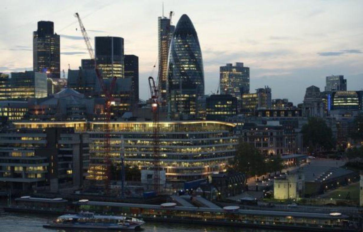 Le gouvernement britannique et la Banque d'Angleterre se sont engagés à fournir aux banques des dizaines de milliards de livres de liquidités pour les inciter à prêter, dans l'espoir de soutenir une économie en récession et menacée par la crise dans la zone euro voisine. – Miguel Medina afp.com