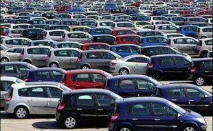 Les ventes de voitures particulières neuves en France ont progressé de 7,1% en mai en données brutes, par rapport à mai 2007, et de 12,7% à nombre comparable de jours ouvrables, a annoncé lundi le Comité des constructeurs français d'automobiles (CCFA).