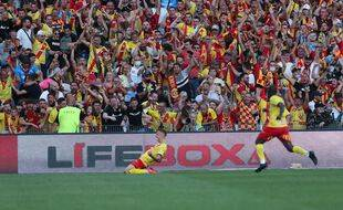 La joie des Lensois après le succès dans le derby