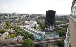 Le bilan de l'incendie de la tour Grenfell à Londres s'est alourdi ce samedi. Il y a au moins 58 personnes déclarées mortes par les autorités britanniques.