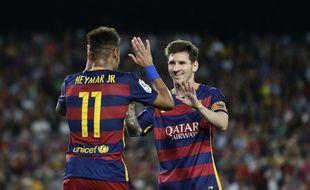 Les Barcelonais Messi et Neymar font partie des trois finalistes pour l'attribution du Ballon d'Or 2015, avec le Madrilène Ronaldo.