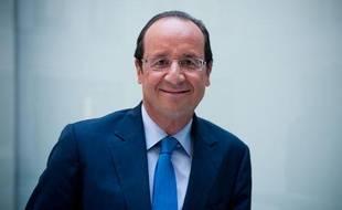 Le 05 septembre 2011. Francois Hollande en interview dans ses bureaux de l'Assemblee nationale.