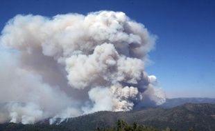 Les fumées de l'incendie qui ravage le parc de Yosemite en Californie ont atteint le coeur touristique du parc samedi, ont annoncé des responsables qui ont mis en garde les visiteurs contre l'excès d'activités physiques.