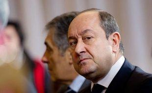 """Un livre consacré au puissant patron du renseignement intérieur français, Bernard Squarcini, l'accuse d'être """"instrumentalisé"""" par l'Elysée, ce qu'il a contesté en affirmant n'être """"l'espion de personne""""."""
