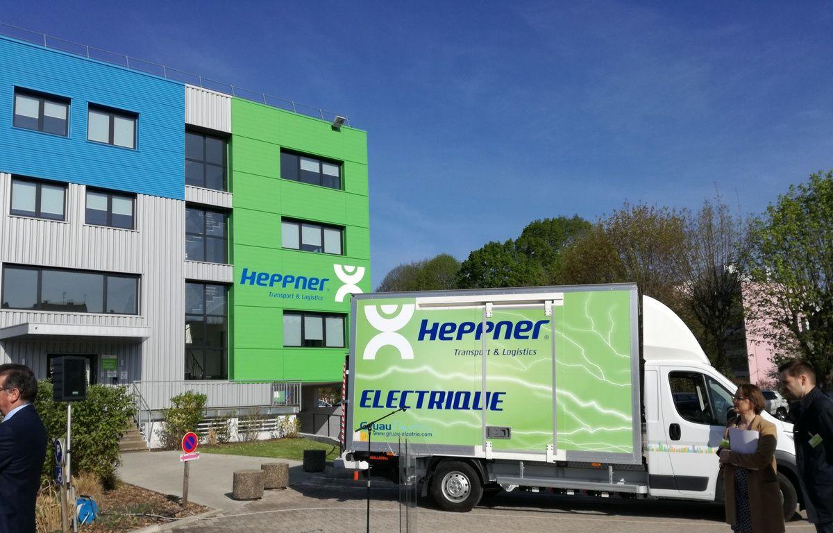 Basée à Strasbourg, l'entreprise de logistique Heppner entame ici sa phase de test de la camionnette électrique avant de la poursuivre à Lyon et Montpellier. – B. Poussard / 20 Minutes.