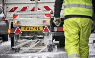 Un véhicule de salage en 2010.