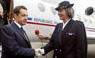 La chambre de l'instruction de la cour d'appel de Rennes a annulé vendredi la mise en examen de l'ex-préfète du Morbihan Elisabeth Allaire, dans le cadre du Teknival breton de 2006 pour lequel elle avait réquisitionné l'aérodrome de Vannes, passant outre une décision de justice