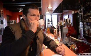 Conseiller municipal à Plazac, Mark Lawrence s'est vu refuser la nationalité française et, depuis ce 1er février 2020, a été radié des listes électorales en France.