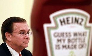 Le PDG des ketchups Heinz pourra toucher en indemnités de départ 56 millions de dollars s'il est licencié par les nouveaux propriétaires de l'entreprise, le milliardaire Warren Buffet et un fonds brésilien, indique lundi un document du gendarme des marchés américains (SEC).