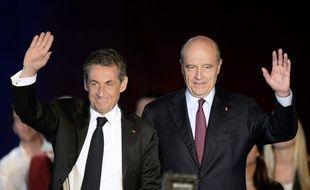 Nicolas Sarkozy et Alain Juppé, le 22/11/2014 à Bordeaux.