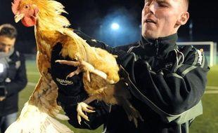"""Sablé, """"petit poulet"""" sarthois de CFA2 et petit Poucet de la Coupe de France, jubile à l'idée de défier l'appétit du Paris SG, leader de la L1 avec ses millions et son entraîneur de renom Carlo Ancelotti, vendredi en 16e de finale"""
