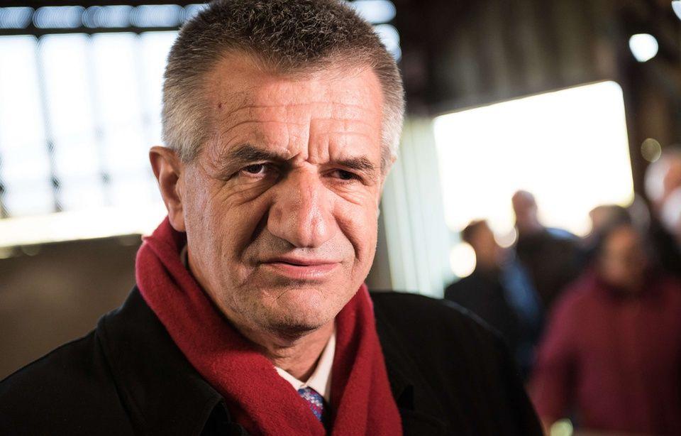 Jean Lassalle est déjà candidat à la présidentielle de 2022 960x614_jean-lassalle-visite-ferme-lyderic-enchery-maire-culey-19-avril-2017