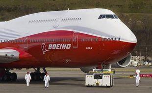 Le constructeur aéronautique américain Boeing a annoncé mercredi un bénéfice et un chiffre d'affaires supérieurs aux attentes au premier trimestre, malgré les déboires de son 787, cloué au sol depuis mi-janvier et qui devrait pouvoir voler bientôt à nouveau.