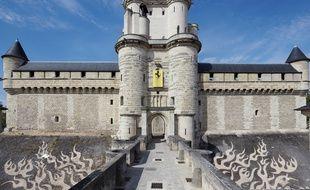 Zevs a réalisé un graffiti propre sur les douves du château.