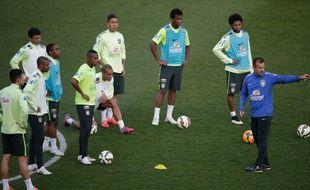 Les joueurs du Brésil à l'entraînement à Charlety le 23 mars 2015.