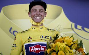 Mathieu Van der Poel s'est imposé ce dimanche au sommet de la côte de Mûr-de-Bretagne, s'emparant au passage du maillot jaune.