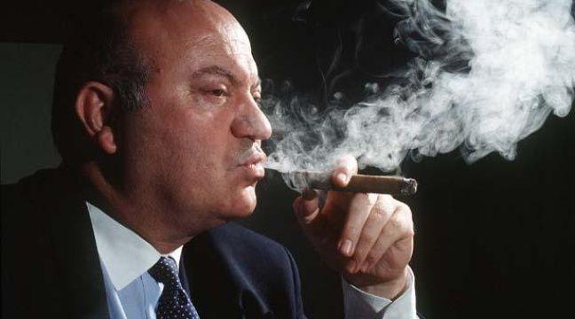 André Santini, député-maire UDI d'Issy-les-Moulineaux (Hauts-de-Seine) est le fondateur du Club des parlementaires amateurs de havane. – HAMPARTZOUMIAN/NECO/SIPA