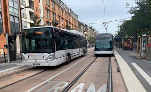 Tram sur l'extension de la ligne F. Strasbourg le 27 08 2020.